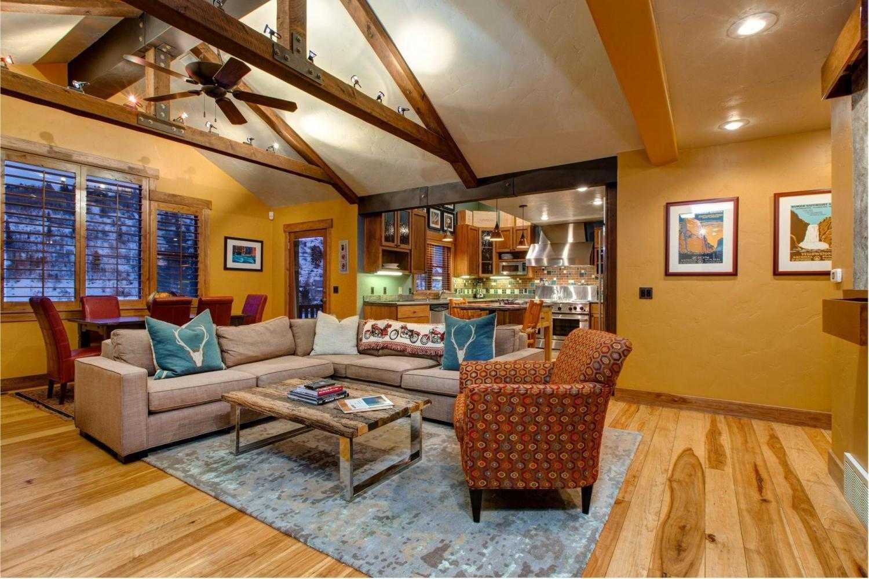 Upper Woodside Luxury 3 Bedroom